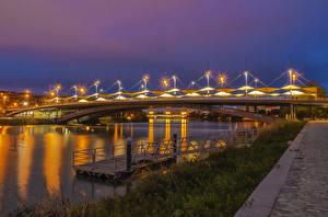 Bilder Spanien Fluss Brücken Seebrücke Nacht Straßenlaterne Penalosa Andalusia Städte