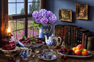 Hintergrundbilder Stillleben Sträuße Hortensien Petroleumlampe Tee Kirsche Aprikose Buch Tasse Lebensmittel