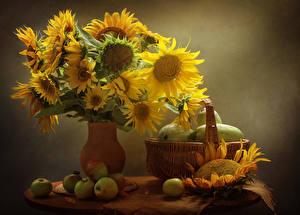 Fotos Stillleben Sonnenblumen Äpfel Vase Weidenkorb Lebensmittel