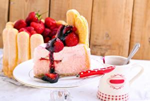 Bilder Süßware Torte Erdbeeren Stück Tasse