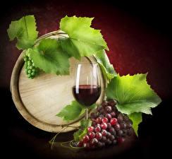 Photo Cask Wine Grapes Stemware Foliage
