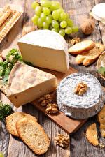 Hintergrundbilder Weintraube Käse Schalenobst Brot Schneidebrett