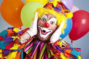 Hintergrundbilder Mann Feiertage Uniform Clowns Hand Blick Erstaunen