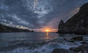 Bilder Landschaftsfotografie Sonnenaufgänge und Sonnenuntergänge Wasserwelle Steine Bucht Felsen Natur