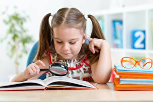 Hintergrundbilder Schule Kleine Mädchen Brille Buch Vergrößerungsglas Kinder