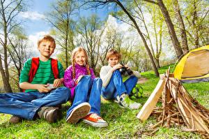 Pictures Three 3 Boys Little girls Sitting Glance Bonfire child