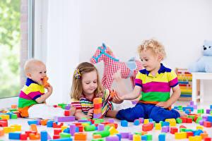 Bilder Spielzeuge Drei 3 Jungen Kleine Mädchen Baby Kinder