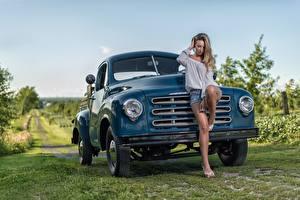 Fotos Lastkraftwagen Bein Schön Studebaker Mädchens Autos