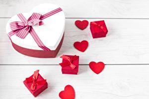 Papéis de parede Dia dos Namorados Coração Laço Presentes