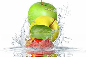 Hintergrundbilder Äpfel Wasser Weißer hintergrund Blattwerk Wasser spritzt Lebensmittel