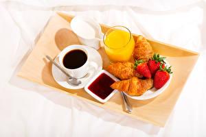 Bilder Kaffee Saft Croissant Erdbeeren Konfitüre Frühstück Tasse Trinkglas Lebensmittel