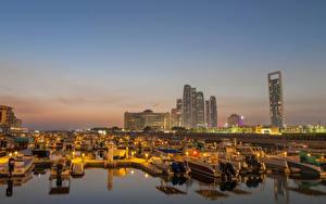 Bakgrunnsbilder De forente arabiske emirater Bygning Småbåthavnen Passbåt Kveld Abu Dhabi en by