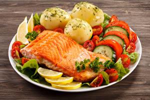 Bilder Fische - Lebensmittel Kartoffel Gemüse Zitrone Lachs Teller Lebensmittel