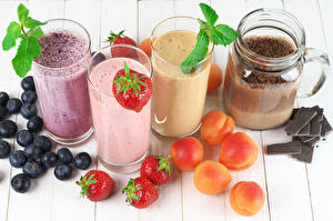 Pictures Fruit Strawberry Blueberries Apricot Chocolate Juice Highball glass