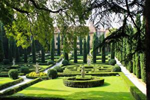 Bilder Italien Verona Garten Skulpturen Design Rasen Strauch Giusti Garden Natur