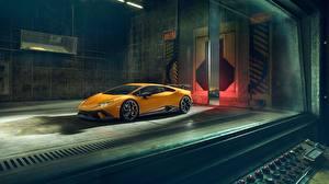 Images Lamborghini Yellow 2018 Performante Novitec Huracan automobile