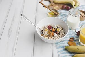 Bilder Müsli Frühstück Teller Löffel Lebensmittel
