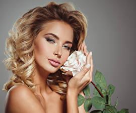 Image Roses Blonde girl Face Glance Hands Girls