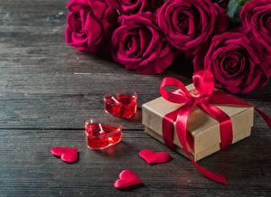 Papéis de parede Rosas Dia dos Namorados Velas Presentes Laço Coração