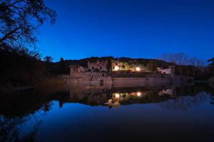 Bilder Spanien Fluss Palast Nacht Palacio Can Jalpi Catalonia Städte
