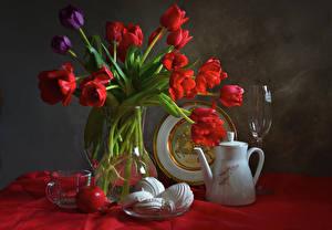 Fotos Stillleben Tulpen Zefir Äpfel Pfeifkessel Vase Weinglas Tasse Blumen