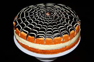 Fotos Süßigkeiten Torte Schokolade Schwarzer Hintergrund Lebensmittel