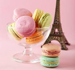 Bilder Süßigkeiten Farbigen hintergrund Macaron