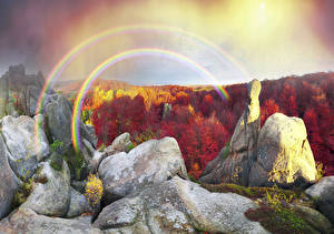 Bureaubladachtergronden Oekraïne Herfst Bos Karpato-Roethenië klif landform Regenboog Mossen