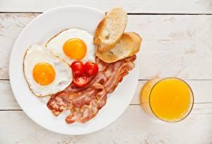 Hintergrundbilder Brot Tomate Saft Fleischwaren Schinkenspeck Spiegelei Teller