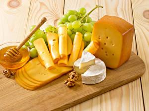 Hintergrundbilder Käse Weintraube Honig Schalenobst Bretter Schneidebrett Geschnittenes Lebensmittel