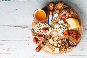 Hintergrundbilder Käse Honig Echte Feige Weintraube Nussfrüchte Bretter Schneidebrett Trockenobst Dörrobst
