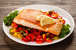 Fotos Fische - Lebensmittel Gemüse Zitrone Lachs Teller Lebensmittel