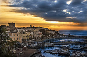 Desktop wallpapers Italy Houses Berth Motorboat Evening Bay Historical Forio Cities
