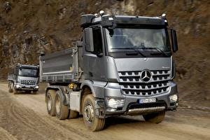 Wallpapers Mercedes-Benz Lorry Silver color 2013 Arocs Cars