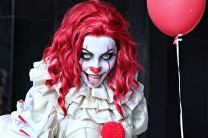 Fonds d'écran Clown Ugly Roux Fille Cosplay Regard fixé Pennywise Filles
