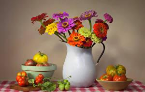 Bilder Stillleben Zinnien Tomaten Vase Blumen Lebensmittel