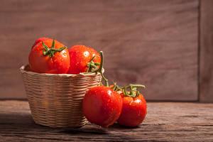 Photo Tomatoes Closeup Wicker basket