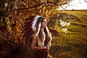 Bilder Federhaube Traumfänger Indianer Sergey Sorokin Mädchens
