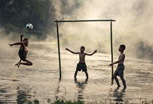 Fotos Asiatische Fußball Drei 3 Ball Jungen Nebel Kinder