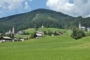 Hintergrundbilder Österreich Gebirge Wälder Grünland Gebäude Alpen Natur
