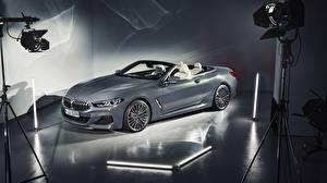 Hintergrundbilder BMW Cabriolet Graues 2018 xDrive 8-Series M850i automobil