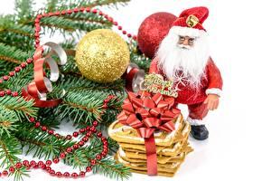 Papéis de parede Ano-Novo Feriados En gran plano Bolas Presentes Papai Noel