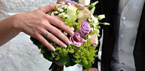 Picture Closeup Fingers Bouquets Hands Jewelry ring Wedding