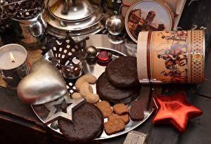 Desktop hintergrundbilder Kekse Backware Krone Herz Kleine Sterne das Essen