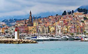 Hintergrundbilder Frankreich Gebäude Bootssteg Leuchtturm Segeln Yacht Menton Städte