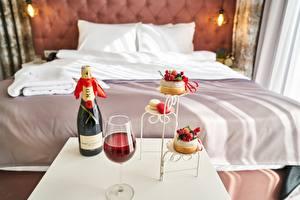 Hintergrundbilder Hotel Bett Kissen Weinglas Flasche