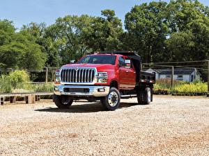 Image International Trucks Red Metallic 2018 CV Crew Cab Landscape Dump auto