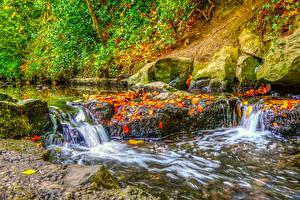Hintergrundbilder Irland Herbst Park Wasserfall Steine Dublin Blattwerk HDRI Bäche