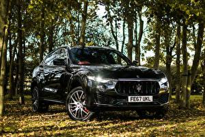 Pictures Maserati Black Metallic 2017-18 Levante S Q4 GranSport automobile