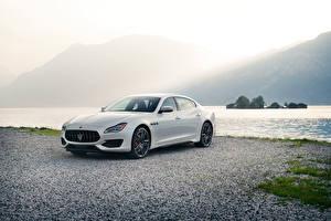 Pictures Maserati White Metallic 2019 Quattroporte GTS GranSport auto